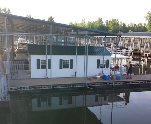 Cottage on the Water (Houseboat) - Ashland City - Cabaña
