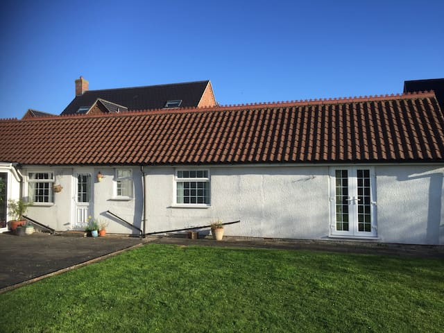 Self contained Annexe - between Newark and Lincoln - Bassingham - Lägenhet