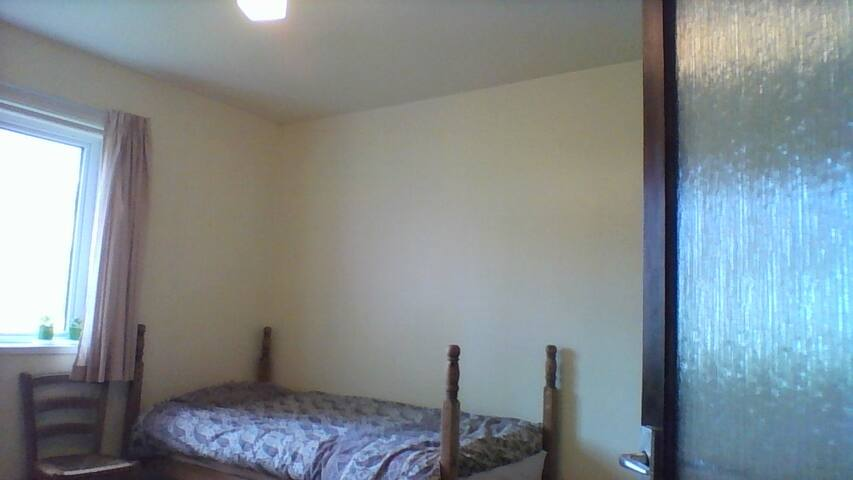 Room for one in quiet ground floor flat - Peterculter - Appartamento
