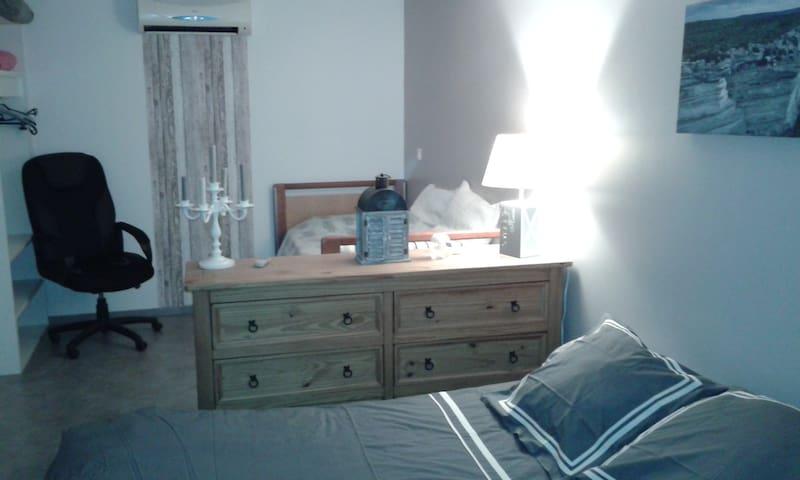 Appartement calme 1 à 3 couchages - Lucciana - Villa