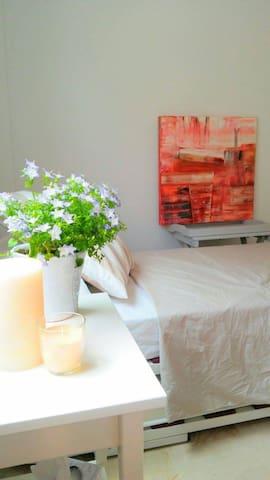 Bright clean space in tranquil duplex - Ibiza - Casa