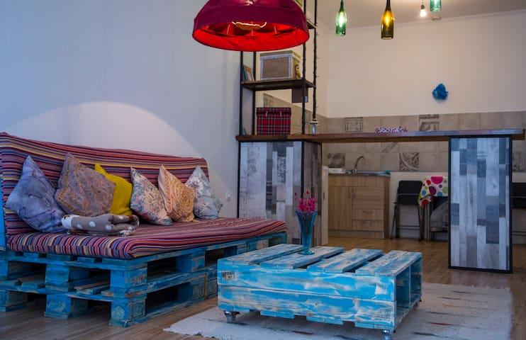 Cute Apartment near the Tbilisi sea side - Tbilisi