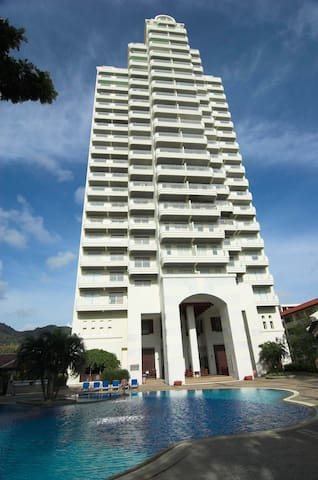 Waterfront 1 bedroom Seaview Suites-C - Karon - Appartement