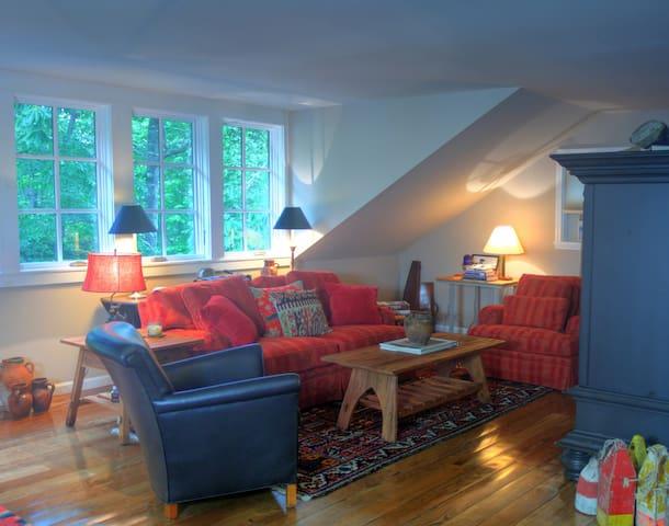 Treehouse Guest Cottage, Pets - Highlands - Departamento