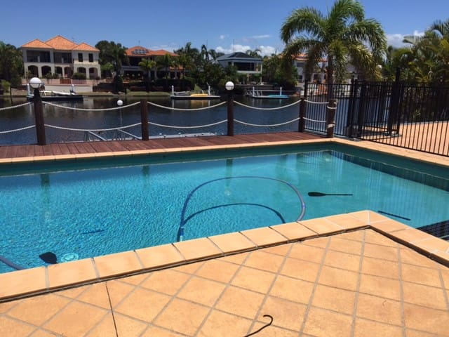WATERFRONT EASTER on the Sunshine Coast - Parrearra - Hus