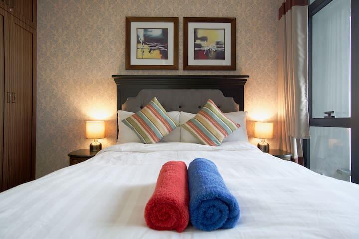 (Superhost) Designer Makati One-Bedroom - Makati - Kondominium