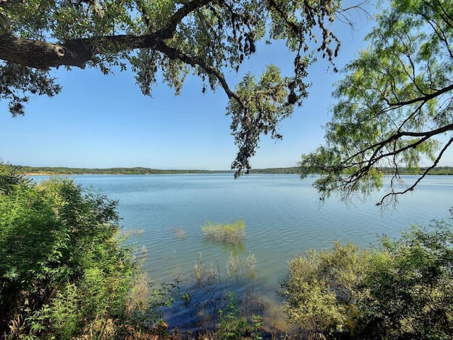 2BR/2BA Serene Hill Country Home on Lake Travis - Spicewood - Dom