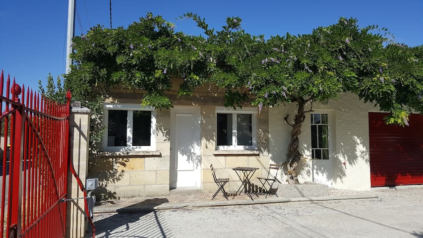 Entre BORDEAUX et SAINT EMILION - Cavignac