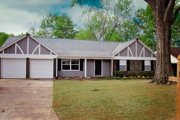 Family Friendly Home in Quiet Cove - Southaven - Huis