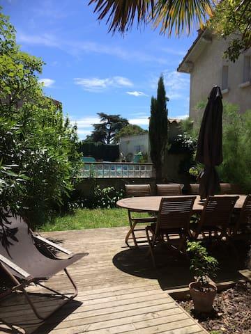 Ds un petit village à 15 min de carcassonne - Alzonne - Bed & Breakfast