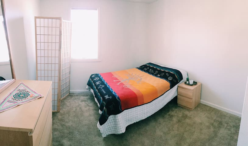 Good Vibes on the beach, private room on 3rd floor - Milford - Apartamento