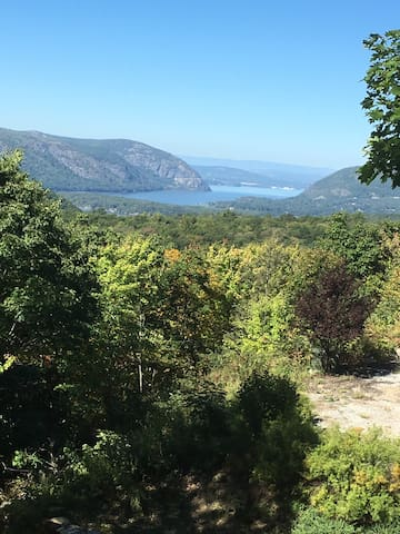 Hudson Riverview Mountaintop Guest House - Garrison - Huis