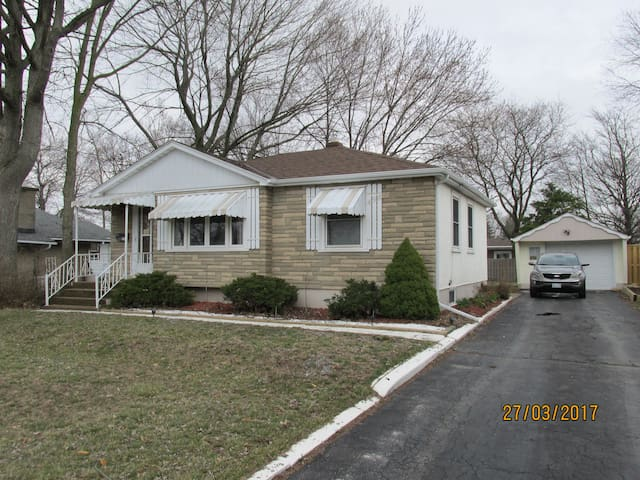Comfy bungalow in Niagara Peninsula - Welland - Hus