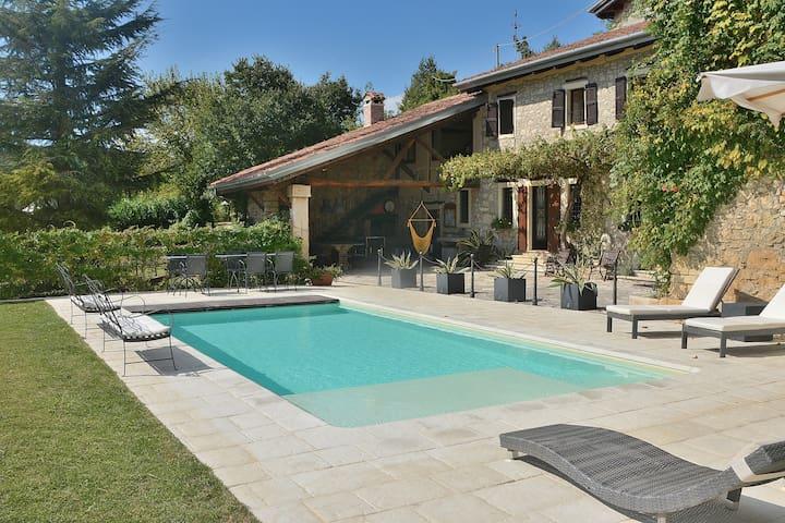 16 Sleeps Rural Villa with Amazing  Pool - Fortuna
