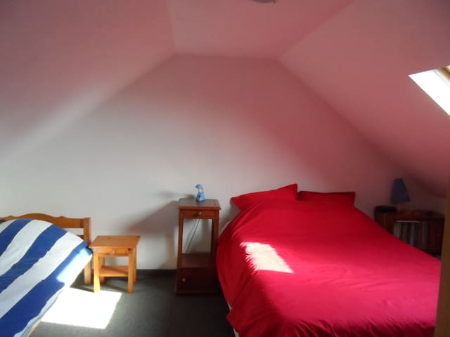 1 ou 2 chambres et la salle de bain - Willems - Casa