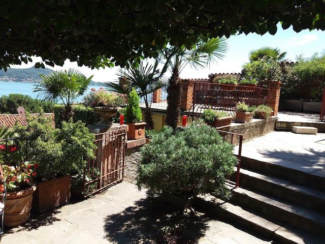 Garden apartment Solcio vista lago con terrazza - Lesa