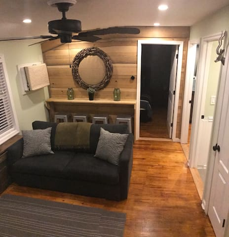Fully remodeled two bedroom apartment. - Tannersville - Apartament