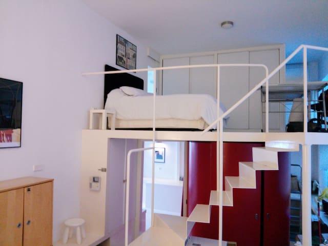 """""""Diseño y Vanguardia"""" Loft al lado del aeropuerto - Madrid - Loft"""