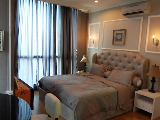 Luxury 1 BR apartment in Jakarta City Center - Kebayoran Baru
