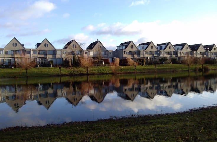 Townhouse at lake, 3 bedrooms. - Ede