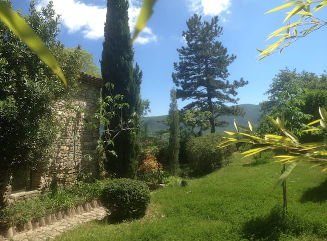Joli 2 pièces en bord de falaise - Saint-Martin-de-Castillon - Casa