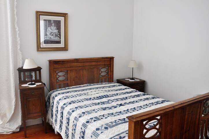 Modern Room in Grandma's home - Monte Redondo