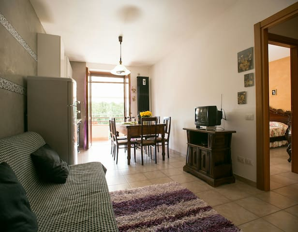 Flat with balcony, private parking - Gaiole In Chianti - Appartement