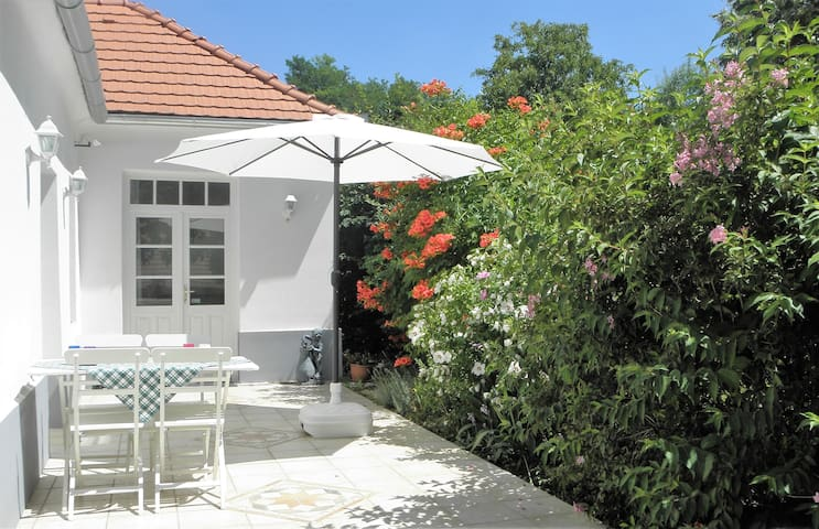 Romantische witte villa met zwembad - Zalaköveskút - Villa