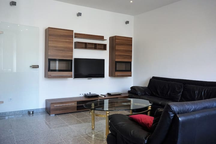 V - modern flat with 2 bedrooms - Duisburg - Daire