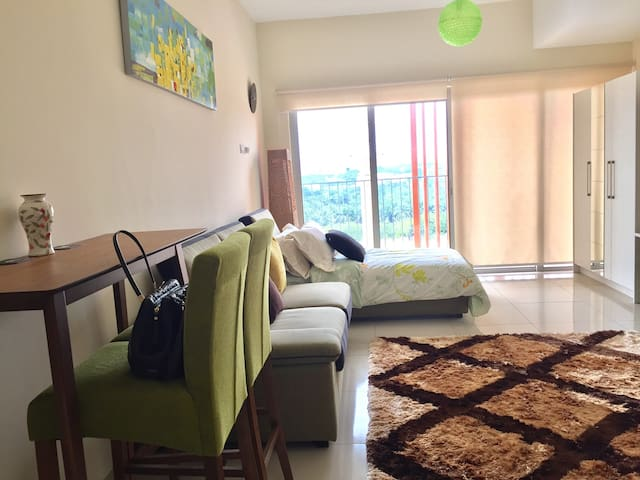 Warm & Cosy Place @ Suria Jelutong - Shah Alam - Wohnung