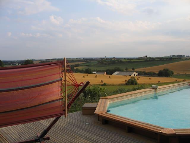 Maison avec piscine à la campagne à 15 min d'Albi. - Lombers - Ev