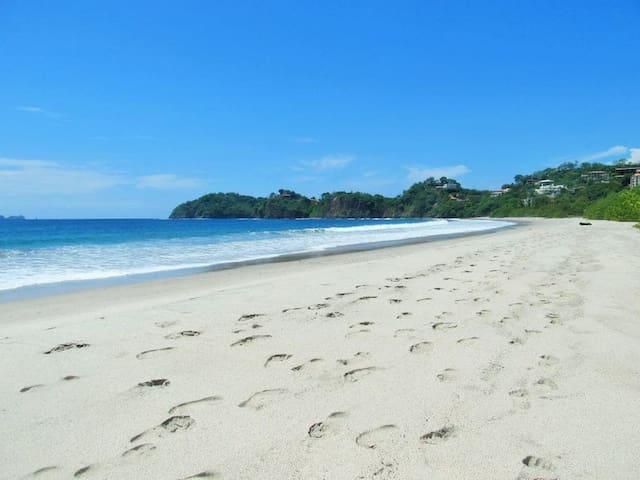 VILLA BRISAS TROPICALES - 4 beaches minutes away! - Playa Flamingo