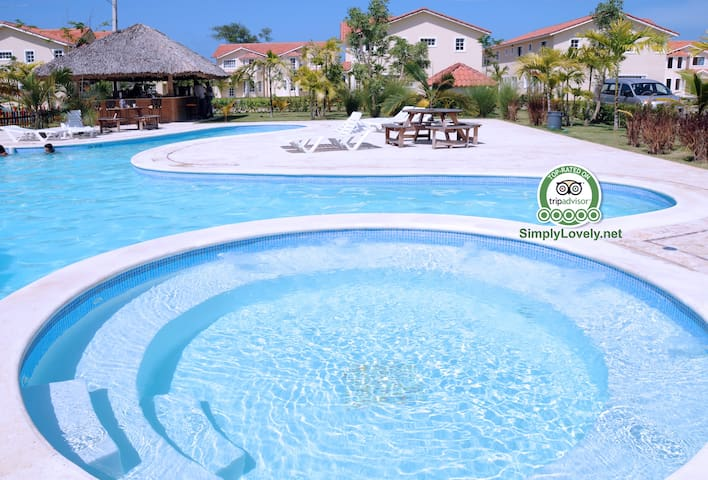 Simply-Lovely Condo  EXCLUSIVE Access to the BEACH - Punta Cana - Selveierleilighet