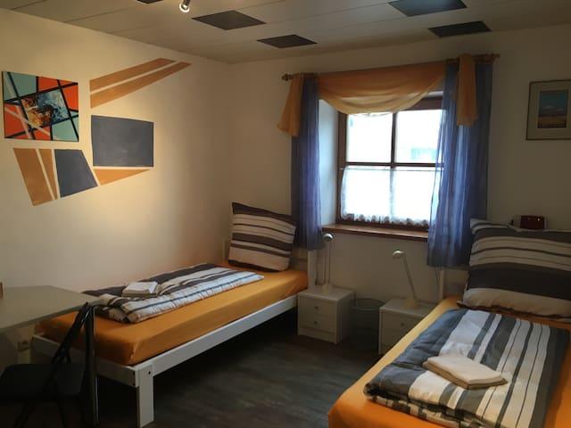 Haus Huber Zimmer HUBI - Prien am Chiemsee - Talo