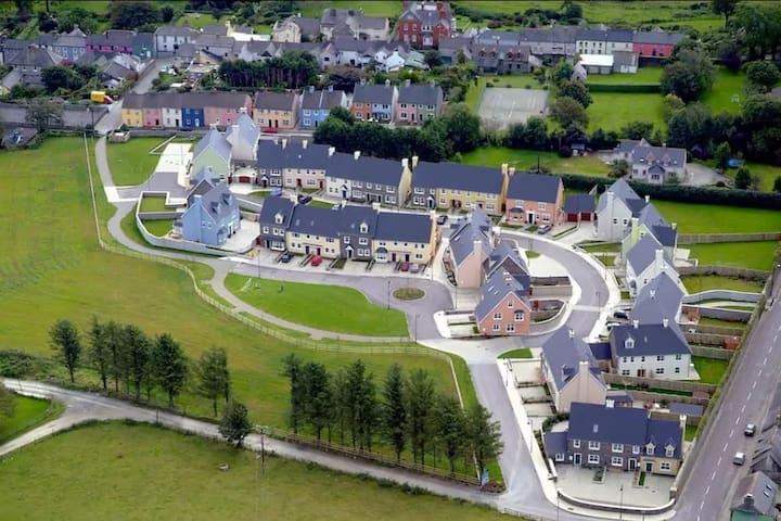 Ashgrove, The Lawn, Castletownshend - Castletownshend - Hus