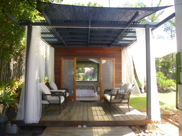 Cabana on deck - Coomera