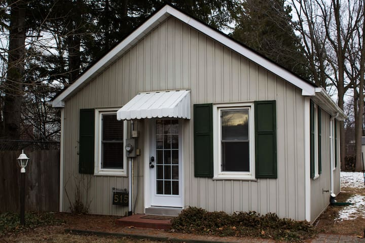 One Bedroom Cozy Cottage - Niagara-on-the-Lake - Casa de campo