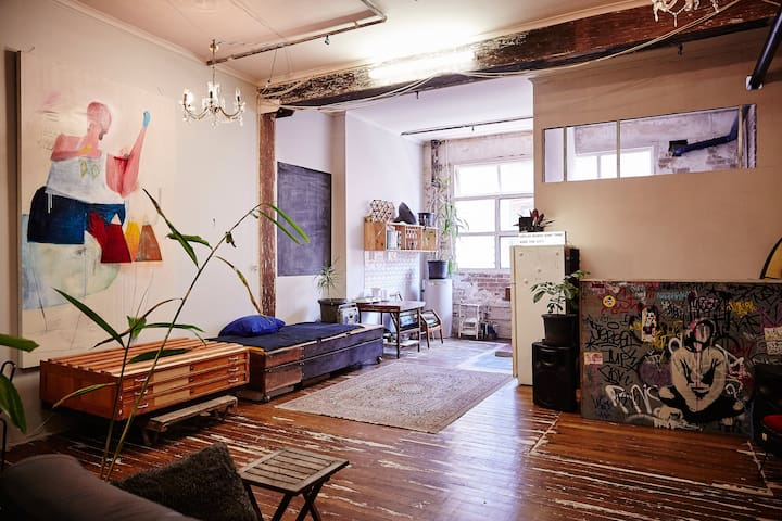 Bright central Chippendale warehouse apartment - チッペンデール - アパート