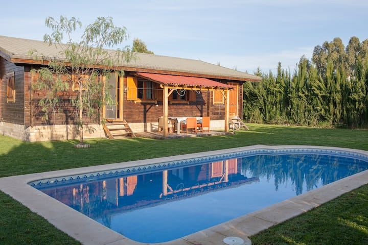 Wooden chalet with private pool - Coria del Río - 牧人小屋