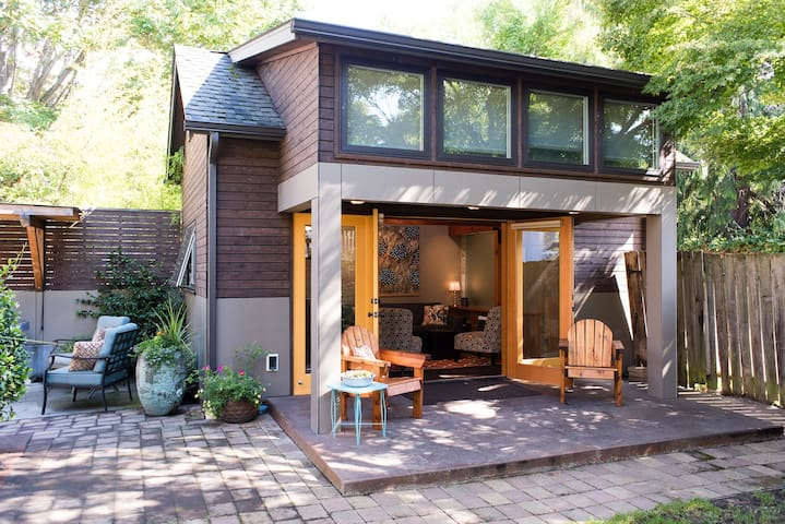 """Little House"" Living in Ballard - Seattle - Dům"