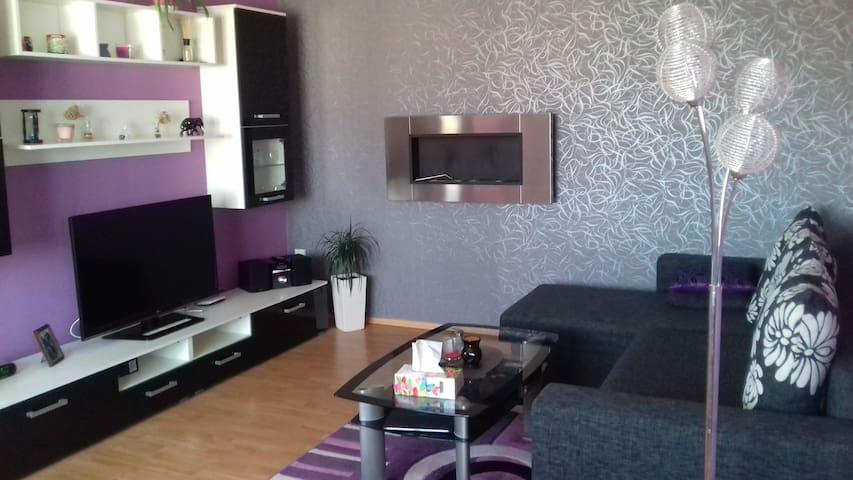 Luxusní byt v centru města-Wohnung in Stadtcentrum - Cheb - Lägenhet