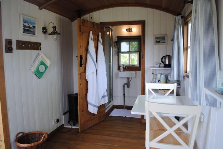 Shepherd's hut in Oxford village - Oxford - Stråhytte