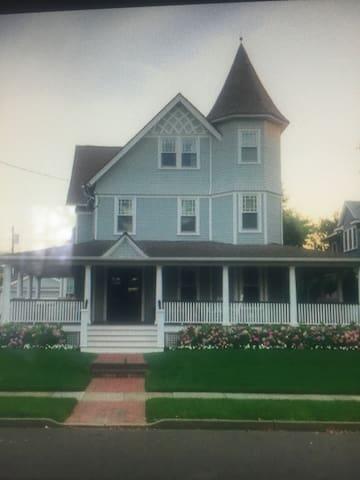 Completely Renovated Historical Inn - Spring Lake - Huis