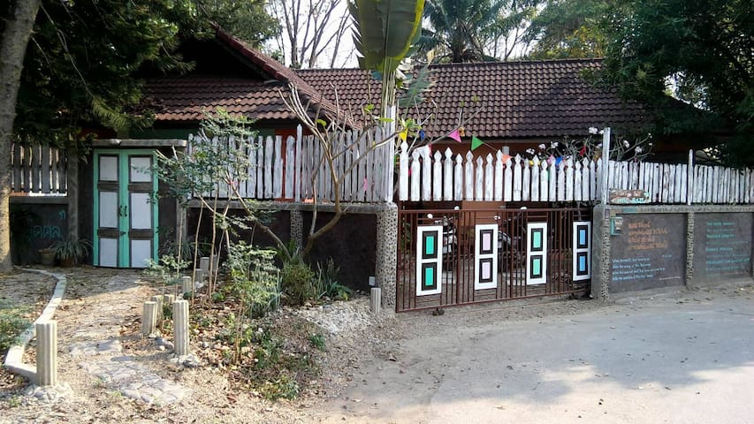 HOUSE IN RELAXING PLACE AND RURAL VILLAGE - Tambon Mae Sa