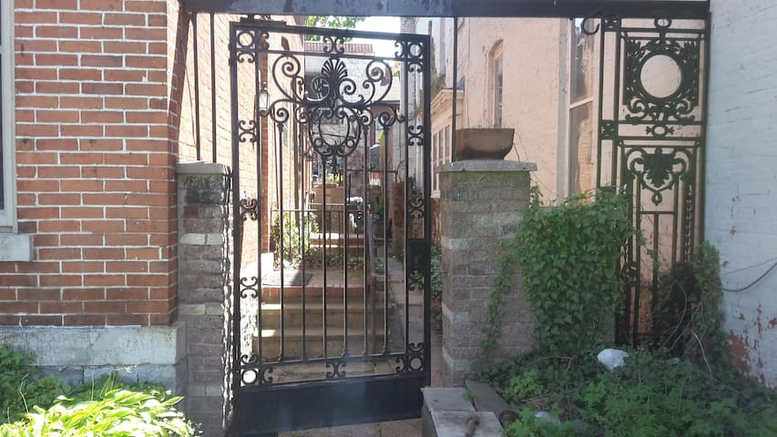 Heart of Allentown, Single private room - Buffalo - Byt