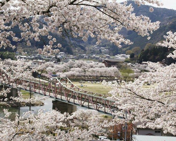 ♪享受自然,京都鄉村,宽敞舒适的空间,適合家族滯在,,驻车场免费!附近车站免费接送♪ - Kasagi-chō - Villa