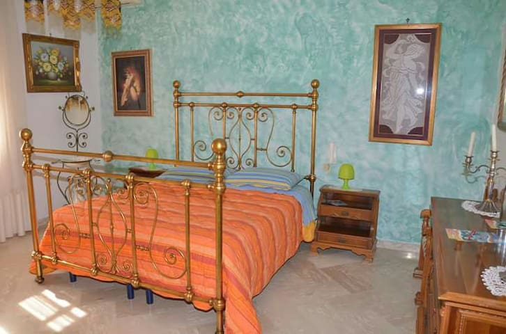 BED & BREAKFAST!FAMILIARITA', PULIZIA E CORTESIA - Torchiarolo - Lägenhet
