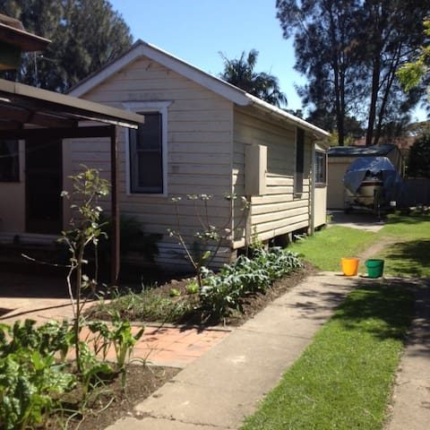 Sky Cottage for Pet Friendly Holidays. - Erowal Bay - Hus