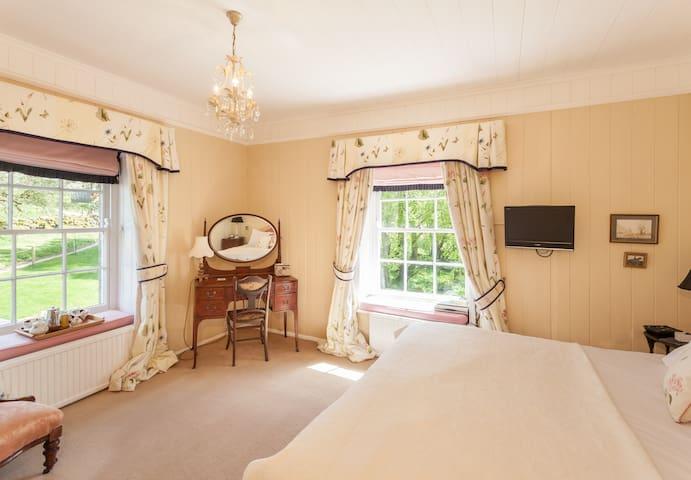 Most Luxurious B&B In High Dartmoor - Devon - Bed & Breakfast