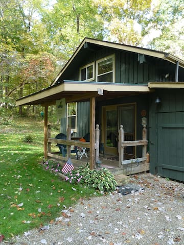Cabin in the woods located near Mohican State Park - Butler - Blockhütte